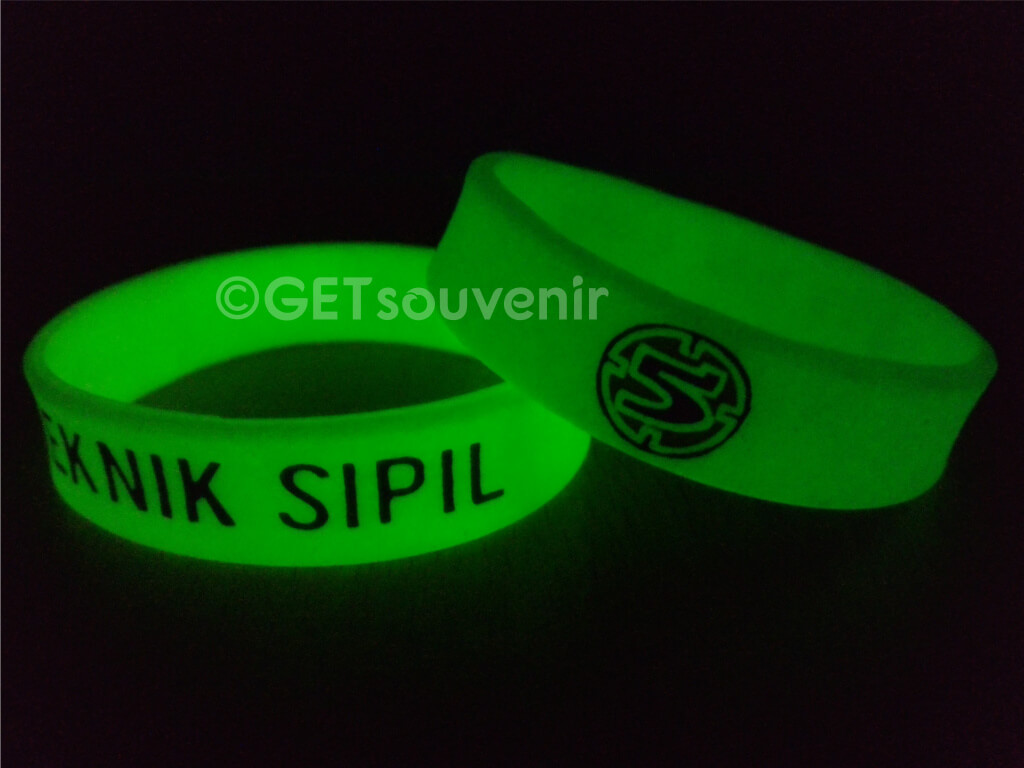 Gelang glow in the dark (after)