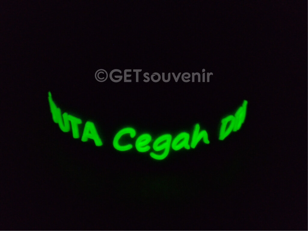 Gelang tulisan glow in the dark (after)